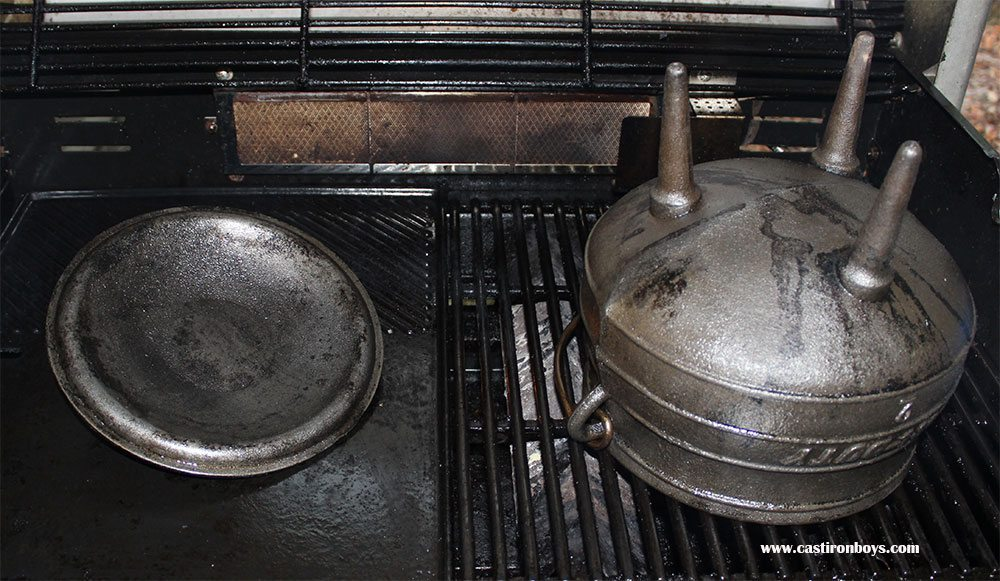 Cleaning rusty cast iron with molasses camp ovens dutch ovens potjies