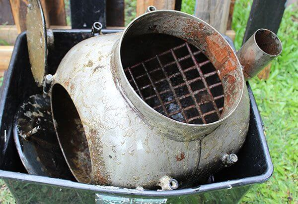 Remove from Molasses Bath | | Cleaning and repainting a Rusty Ozpig using Molasses