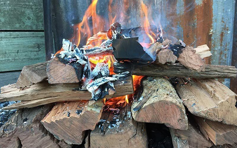 How to make an Upside Down Fire - Fiskars AXE