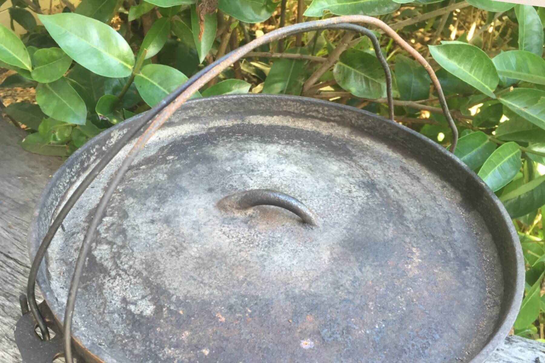 How to Identify Vintage Camp Ovens