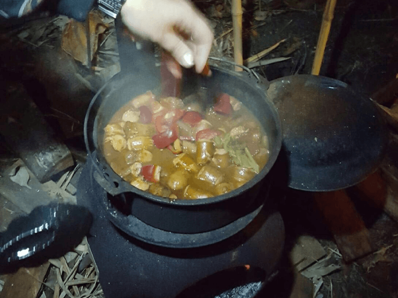 Camp Oven Hotpot