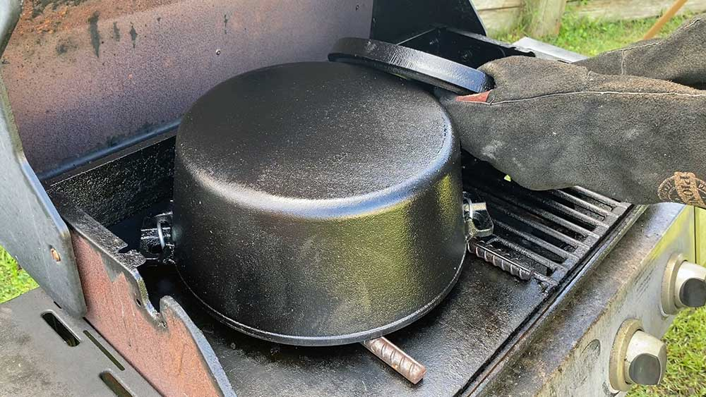How to prepare a brand new camp oven for first use | The Camp Oven Cook